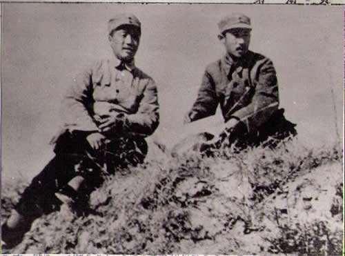 贺龙、关向应在陈庄前线指挥战斗